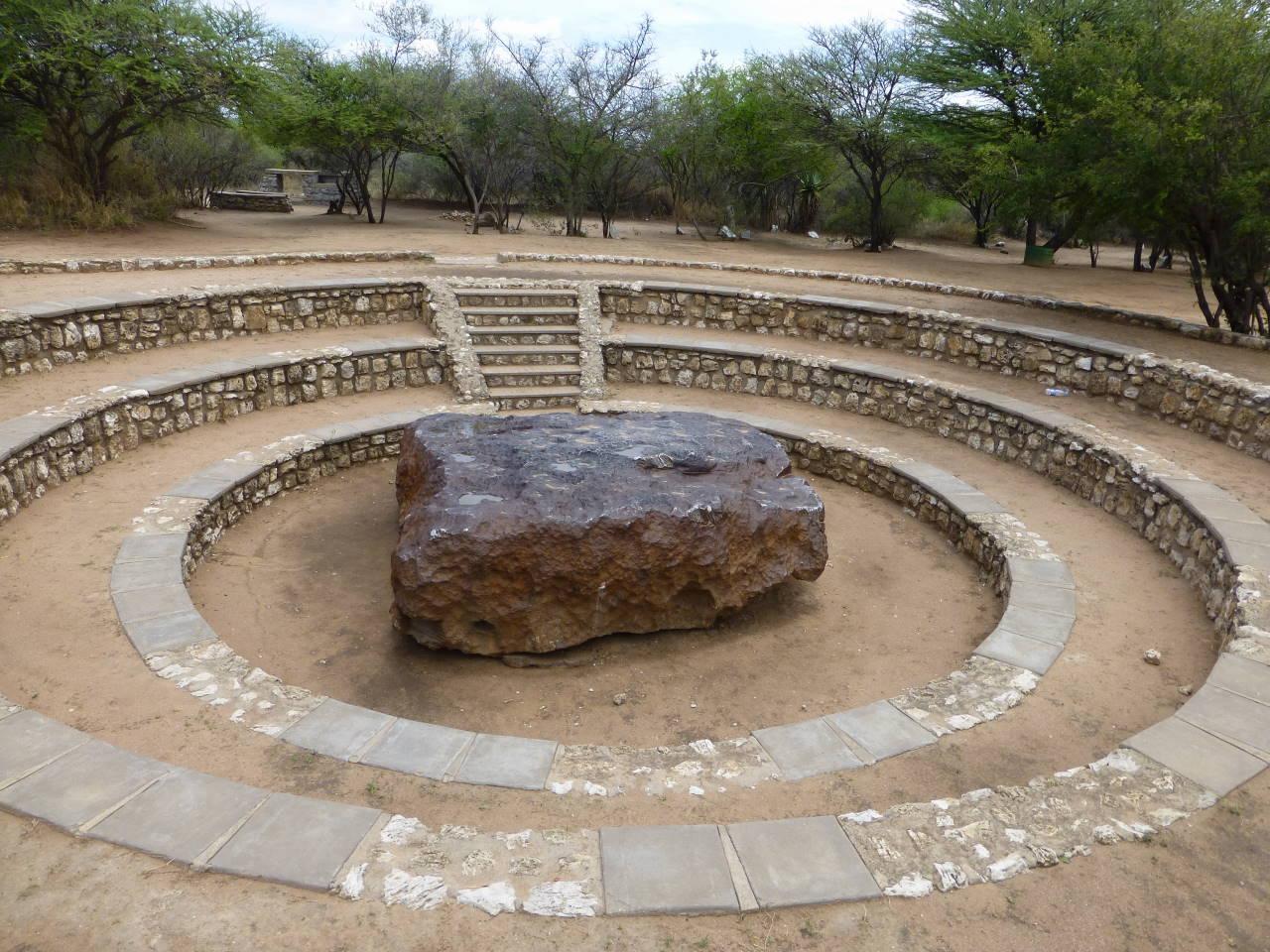 Hoba Meteorit bei Grootfontein. Ist der zweitgrößte der Welt.