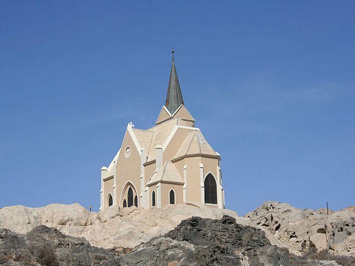 Die Felsenkirche in Lüderitz.