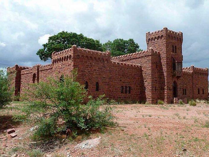 Schloss Duwisib. Nationales Denkmal und Sehenswürdigkeit in Namibia.