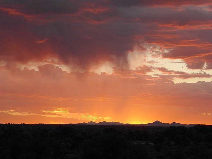 Wunderbarer Sonnenuntergang in der Kalahari